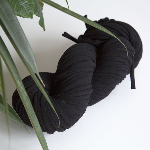 Hulpio jersey yarn, black
