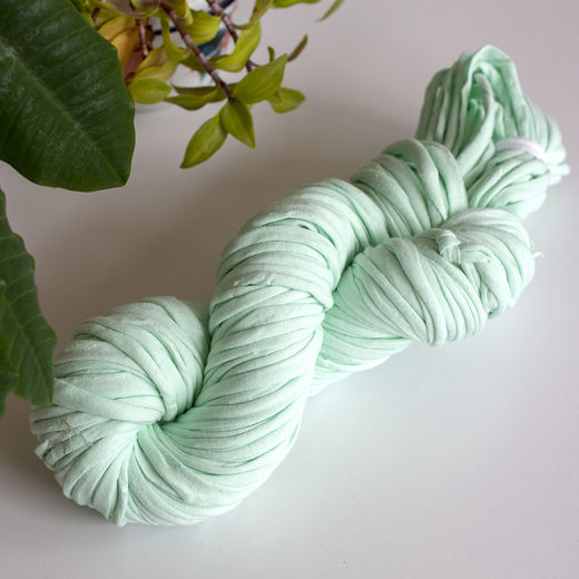 Hulpio jersey yarn, light mint